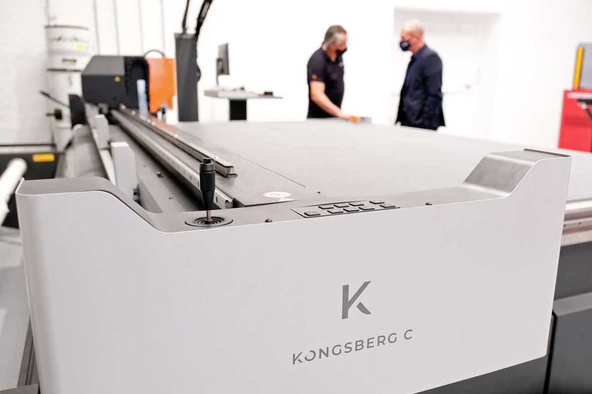 Kongsberg cutting table