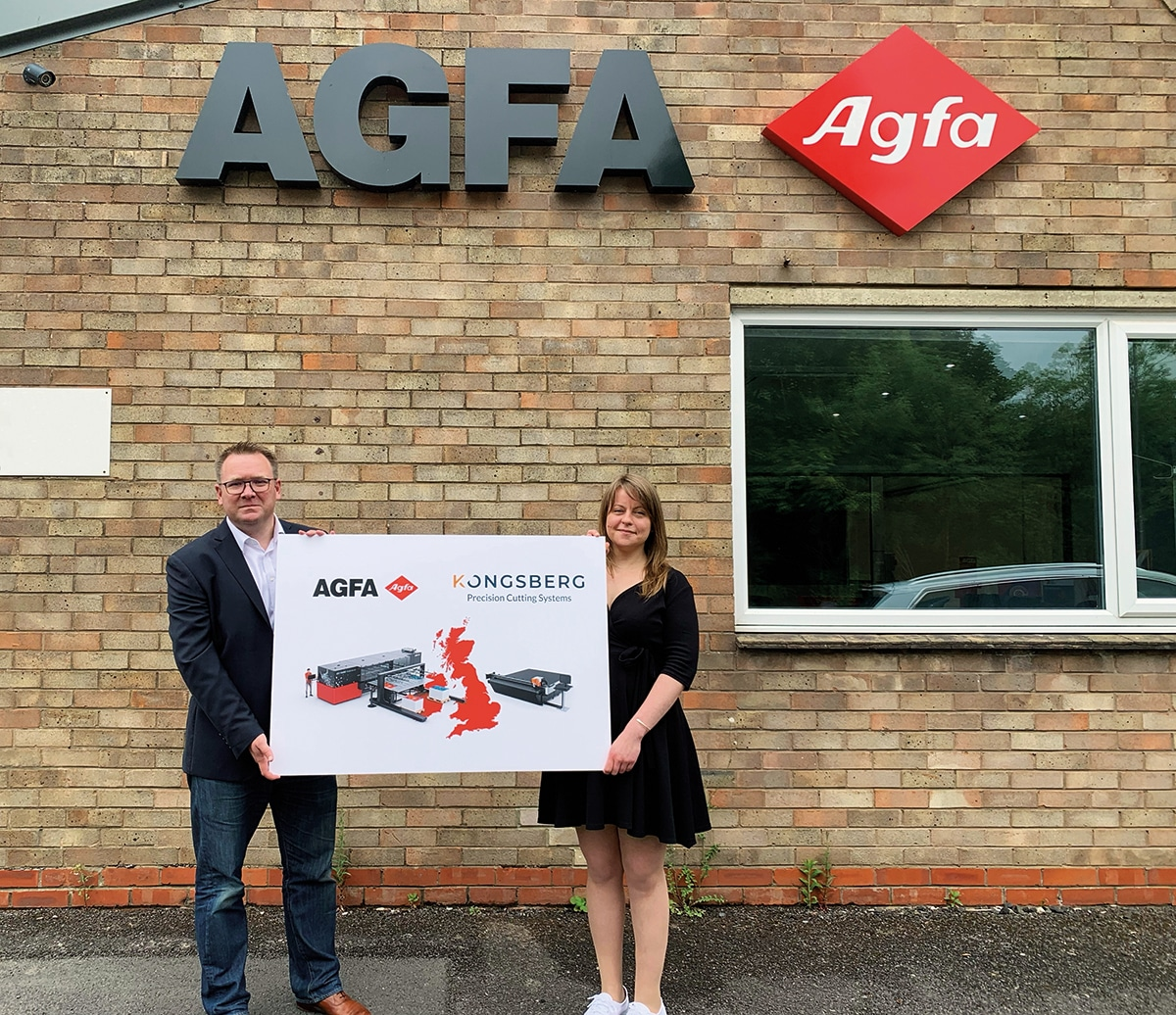 Bobby Grauf of Agfa and Melanie Fox of Kongsberg PCS (L to R) at Agfa's new Inkjet Competence Centre in Rugby, Warwickshire